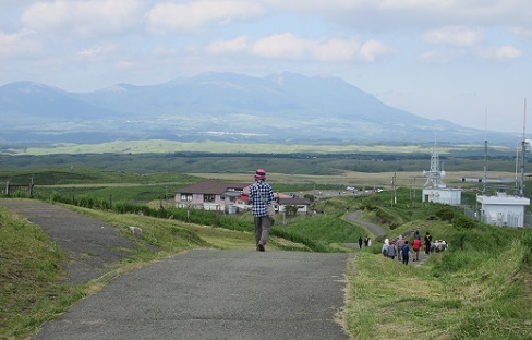 16 大観峯から久住連山を望む