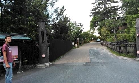 4 奈良ホテル・門