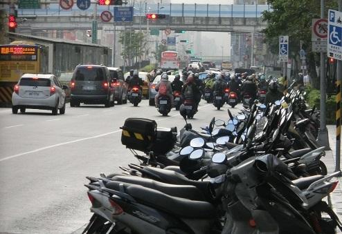9 台北のバイク