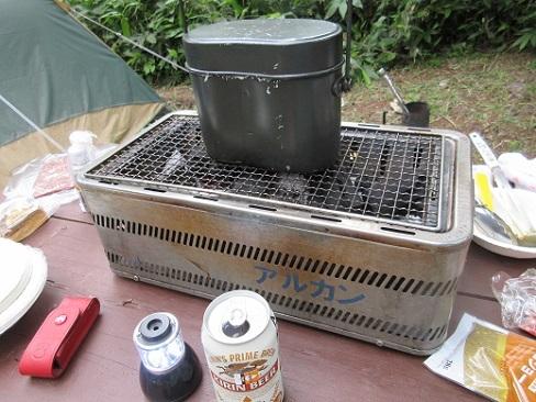 14 飯盒でご飯を炊く