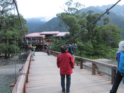 2 早朝の河童橋