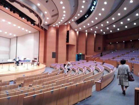 12 ホールの内部