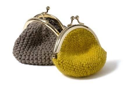 ガーター編みのがま口2つ
