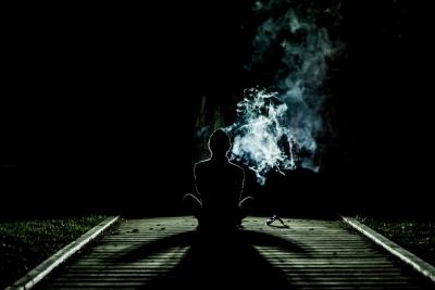 タバコ 陰