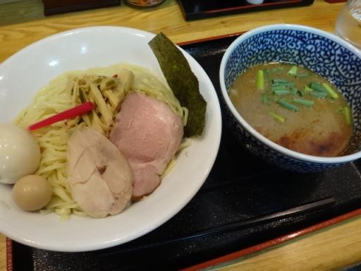アゴ出汁濃厚鶏白湯