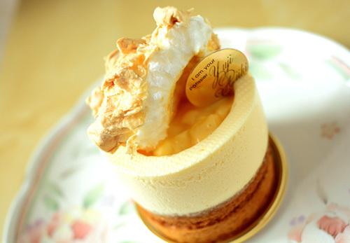 【ケーキ】ユウジアジキ「アナナと太陽の女王バナナ」 (1)