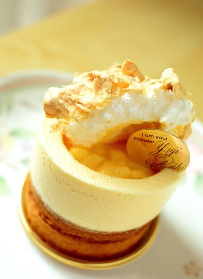 【ケーキ】ユウジアジキ「アナナと太陽の女王バナナ」 (2)
