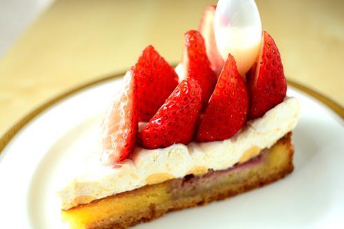 【ケーキ】ユウジアジキ「とちおとめのタルト」 (2)