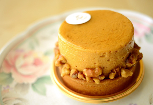 【ケーキ】ヴォワザン「シブストキャラメルポム」 (1)