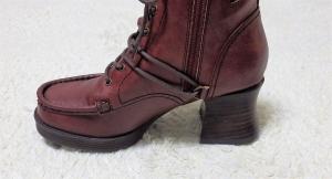 ブーツ側面
