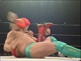 田村が腕十字の切り返し、