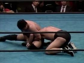 高田が腕を極めに行く、