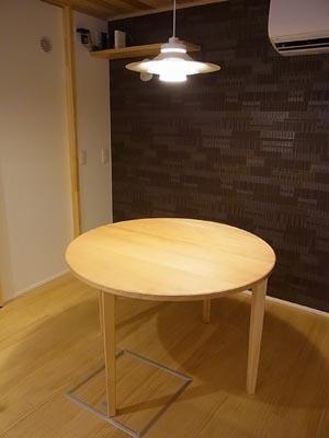 105丸テーブル01