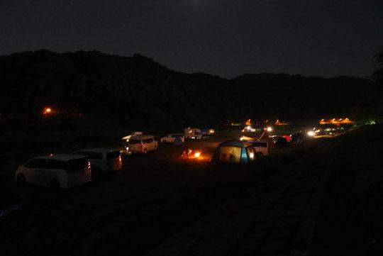 01金曜の夜の河原