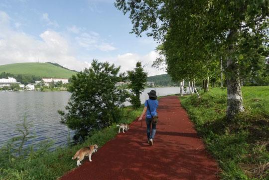 04湖畔散歩
