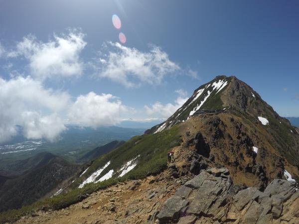 南八ヶ岳0604_主峰赤岳の角度