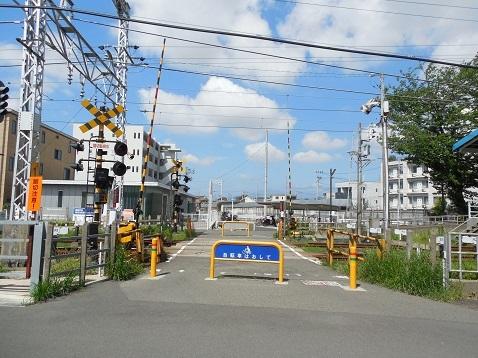 小田急江ノ島線の高座渋谷1号踏切@大和市a