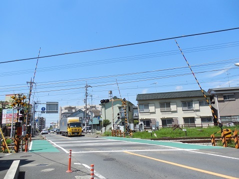 小田急江ノ島線の桜ヶ丘1号踏切@大和市a