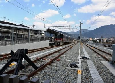 あき亀山駅頭端式ホーム