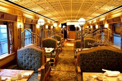 或る列車1号車オープンタイプのダイニングカー