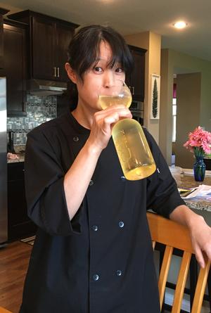 bottleglass1701.jpg