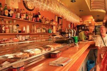 01636 bar en Calle Almirante
