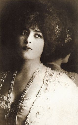 most-beautiful-women-edwardian-era-1900s-12-578c7e66eaa8b__700_512.jpg