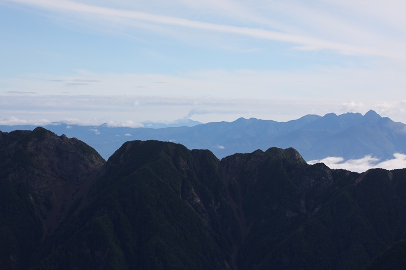 浅間山と八ヶ岳1170804