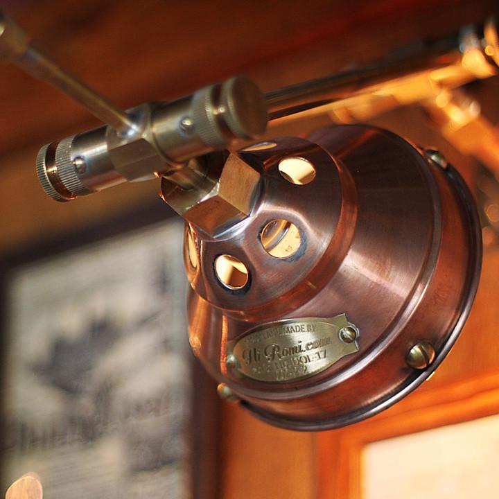 工業系銅製ミニシェード&角度調整付ダブルアームブラケットライト