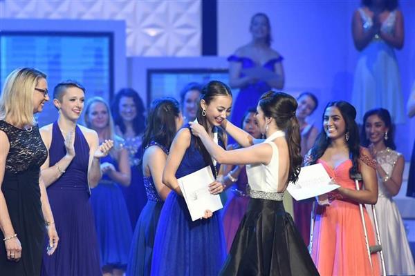 wor1707030030-p2_「米国の傑出した若い女性」で優勝した日本人のスカイ・ボークさん