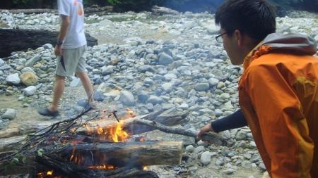 キャンプファイヤー2