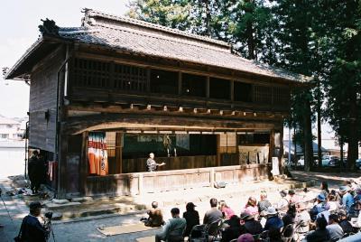 黒田人形浄瑠璃 下黒田諏訪神社境内の人形専用舞台