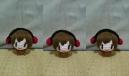 今回茶色と赤色の毛糸が不足してたので急遽KAITOを編みました