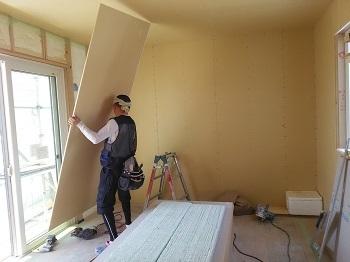 壁ボード張り