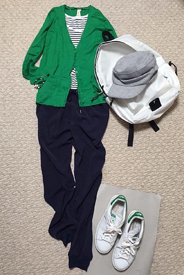 緑色の服と小物を身につけたくなる件