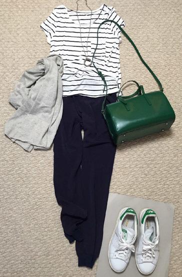 シフォンのジョガーパンツは綺麗めに穿けるので好きです!