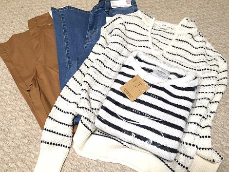 ユニクロとGAPにて。ついでに楽天で購入した掘り出し物セーターも。