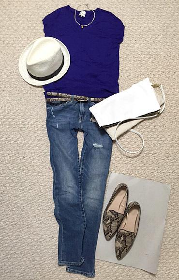 全身青コーデに白小物を合わせるスタイルが好きです。