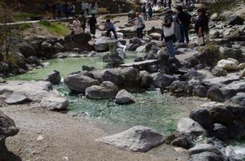草津温泉賽の河原