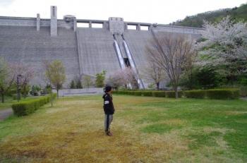 デカいダム四万川ダム人と比べてみた(笑)