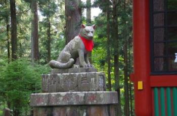 随身門にもムキムキの狛犬様1