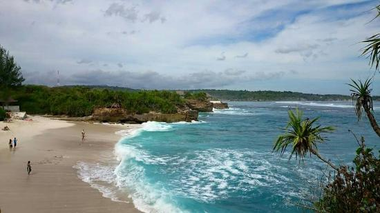dream-beach-nusa-lembongan.jpg