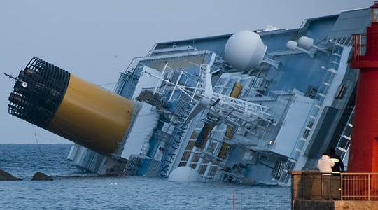 540px-Collision_of_Costa_Concordia_5_crop.jpg