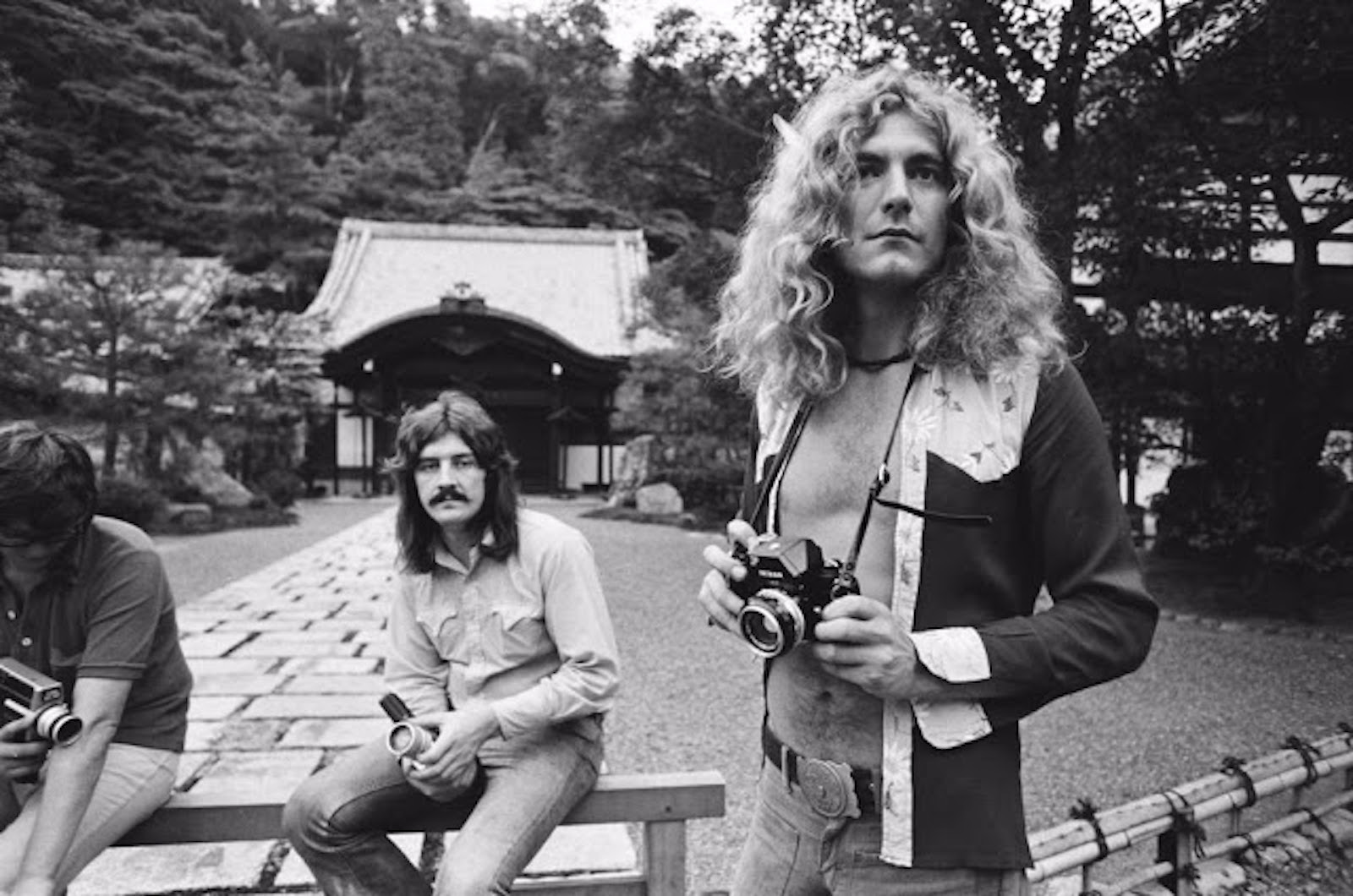 rock-stars-as-tourists-in-japan-1970s-80s-11.jpg