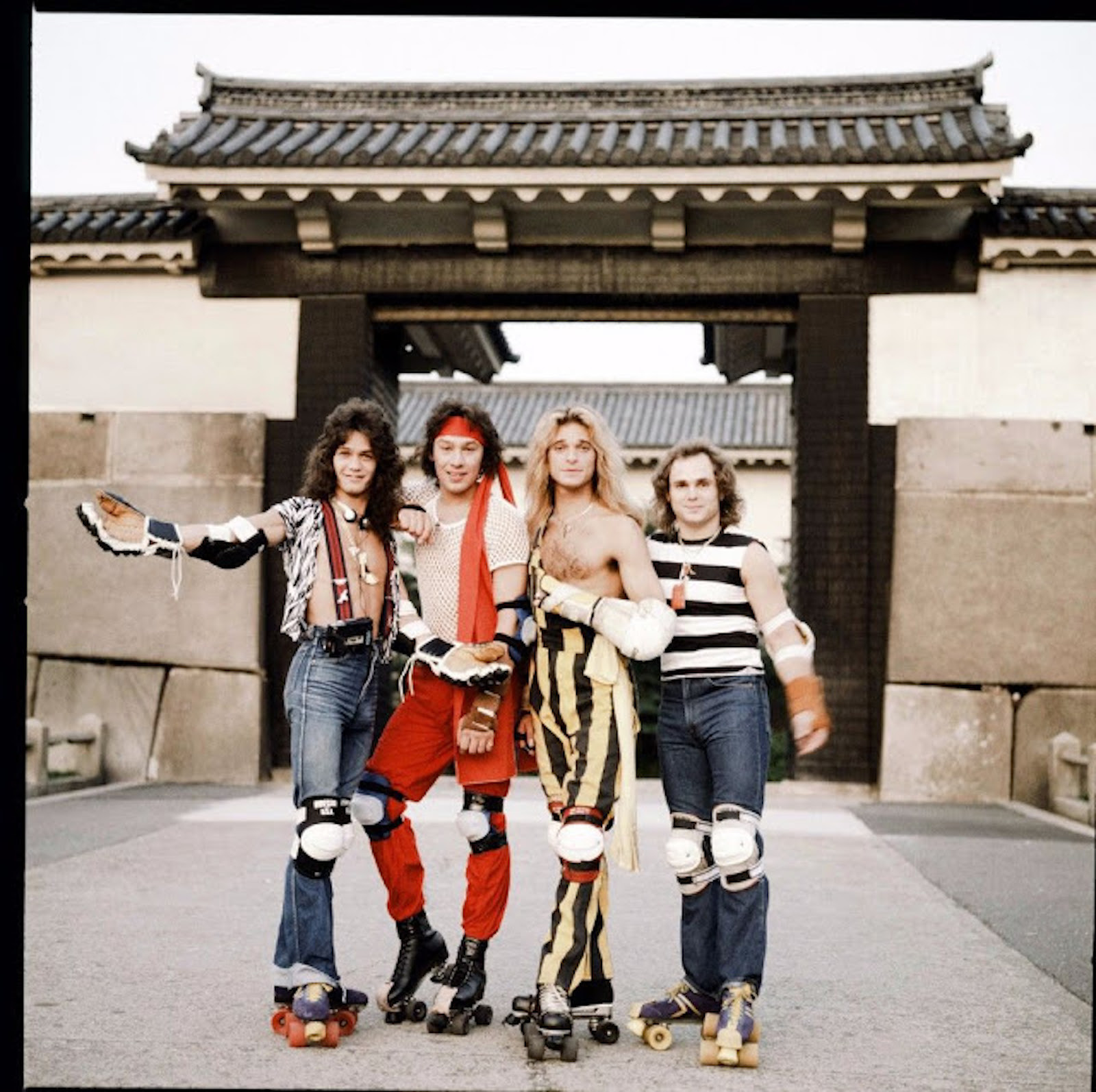 rock-stars-as-tourists-in-japan-1970s-80s-3.jpg