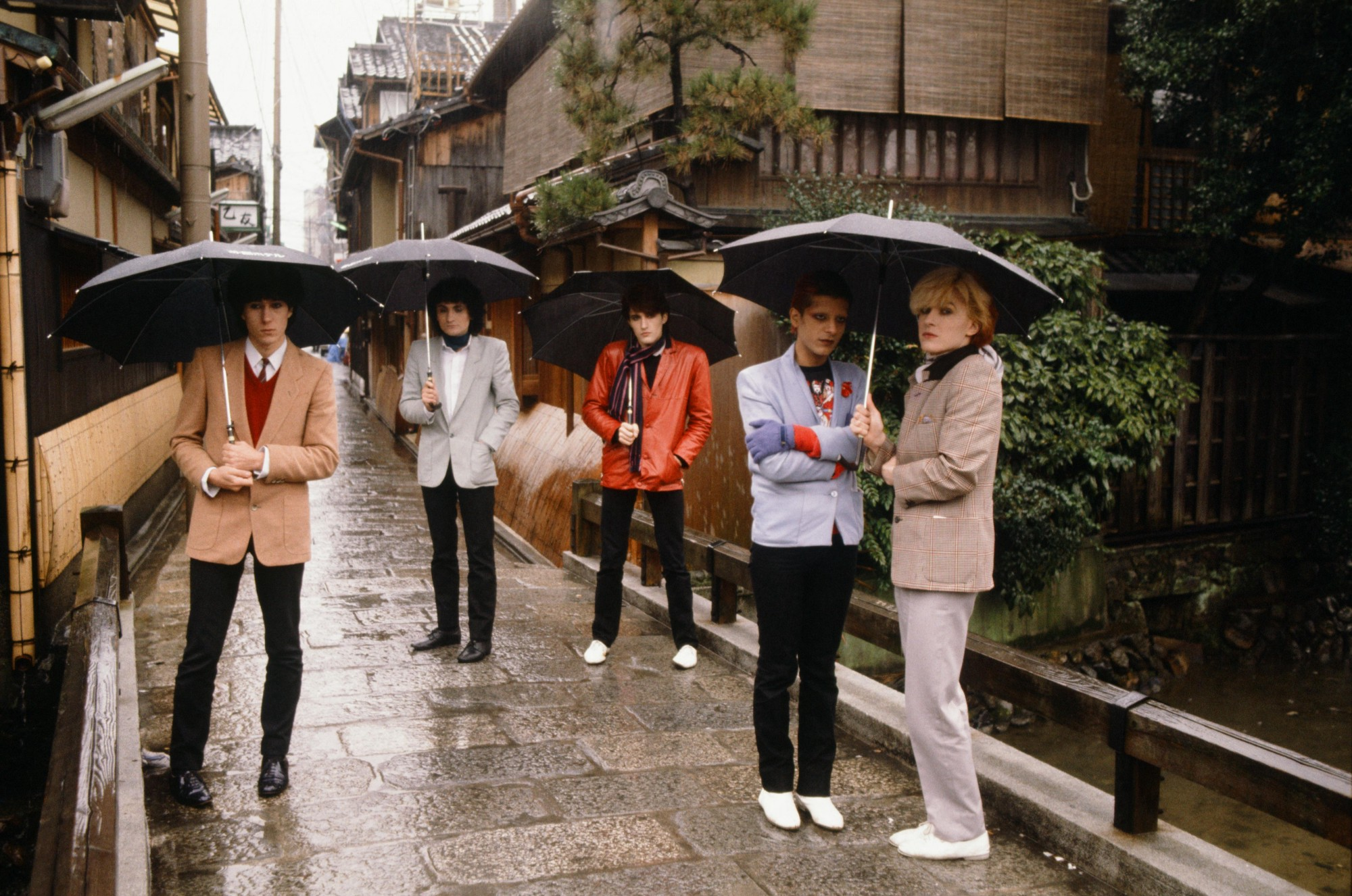 rock-stars-tourists-japan-70s-13.jpeg