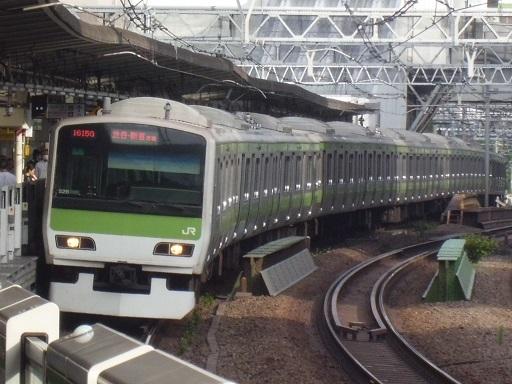 E231系トウ526編成