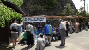 11:01 憧憬広場には竹細工の体験コーナーがあります