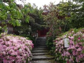9:38 八角円堂(聖徳堂)