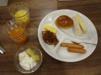 6:35 夫の朝食